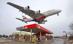 Impresionante aproximación de la ballena de #Emirates a #Toronto #A380Lovers