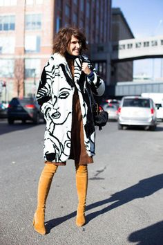 Must-See Street Style from New York Fashion Week Street Style von der New York Fashion Week Herbst 2016 Fashion Moda, Look Fashion, New Fashion, Trendy Fashion, Winter Fashion, Womens Fashion, Fashion Trends, Fashion Outfits, Fashion Ideas