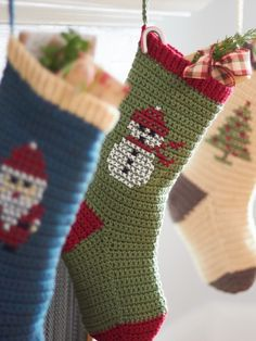 Bernat Cross Stitch Christmas Stockings, Snowman (on crochet stocking) super cute! Crochet Christmas Stocking Pattern, Crochet Stocking, Cross Stitch Christmas Stockings, Cross Stitch Stocking, Xmas Stockings, Holiday Crochet, Crochet Home, Free Crochet, Knit Crochet