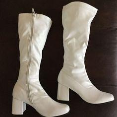 White GoGo Boots S Sz 5-6 costume cosplay 60s theme Halloween Fancy Dress Rubies #RubiesCostume #KneeHighBoots #Cosplay