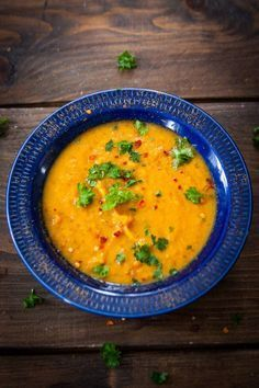 Soup 2 dl red lenses 1 sweet potatoes 1 small poppy napkin 3 carrots 1 onion 2 garlic cloves 1 tablespoon of vegetable broth powder about 2 cm ginger cumin smoked paprika powder salt lime juice Raw Food Recipes, Veggie Recipes, Soup Recipes, Vegetarian Recipes, Cooking Recipes, Healthy Recipes, Healthy Food, Veg Soup, Lentil Soup