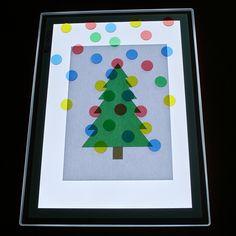 Añadimos pastillas de colores translucidas y trabajamos la motricidad Pre K Activities, Infant Activities, Sensory Activities, Preschool Christmas, Christmas Crafts, Table Diy, Overhead Projector, Light Board, Light Panel
