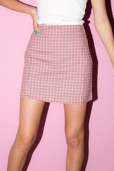 Blue, white and pink plaid print skirt with a back zipper opening and two small front slits. Brandy Melville Outfits, Brandy Melville Skirt, Pink Outfits, Skirt Outfits, Cute Outfits, Summer Outfits, Vintage Outfits, Fashion Outfits, Pink Plaid Skirt