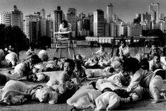 Exposição de fotos de Sebastião Salgado começa a percorrer centros culturais de BH