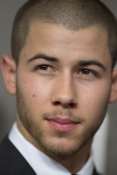 He's so beautiful Nick Jonas Nick Jonas Hair, Joe Jonas, Jonas Brothers, Lucio Saints, Shaved Head, Raining Men, Male Face, Attractive Men, Good Looking Men