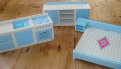 Vintage poppenset, '60, poppenbed, speelgoed keuken, speelgoed door MyVintageAndMore op Etsy