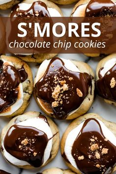 Combine soft chocolate chip cookies with marshmallows, melted chocolate, and graham cracker crumbs for a totally irresistible and EASY s'mores cookie. Recipe on sallysbakingaddiction.com Chocolate Chip Pizza, Chocolate Chip Cookie Mix, Chocolate Mousse Cake, Melted Chocolate, Healthy Dessert Recipes, No Bake Desserts, Easy Desserts, Cookie Recipes, Delicious Desserts