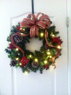 Traditional Christmas wreath Tartan Christmas, Christmas Stuff, Christmas Wreaths, Christmas Decorations, Seasonal Decor, Holiday Decor, Christmas Traditions, Wonderful Time, Seasons