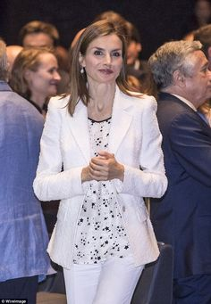 Queen Letizia of Spain attends a cancer conference in Barcelona | Daily Mail Online
