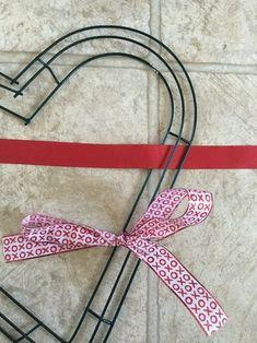 How to make a ribbon wreath for Valentine's Day Ribbon Wreath Tutorial, Mesh Ribbon Wreaths, Christmas Mesh Wreaths, Bow Wreath, Winter Wreaths, Tulle Wreath, Floral Wreaths, Burlap Wreaths, Spring Wreaths