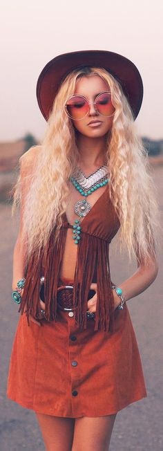 Boho-Chic Looks You Will Want to Try Over and Over Again Hippie Style, Hippie Chic, Looks Hippie, Gypsy Style, Boho Gypsy, Bohemian Style, Boho Outfits, Trendy Outfits, Style Nomade