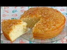 كيك السميد ببيضة واحدة فقط حرشة بالحليب في الفرن - YouTube Muffin, Breakfast, Youtube, Food, Pound Cake, Moroccan Cuisine, Food Recipes, Meal, Eten
