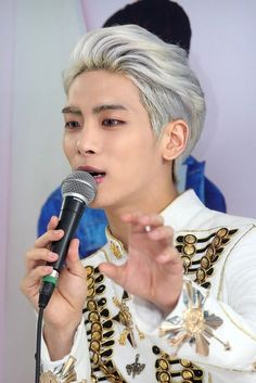 SHINee dishes on what makes each member odd | Drama Fever