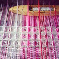 It's possible on rigid heddle loom