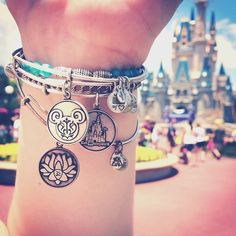 #Charmedarms in #Disney!