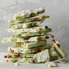 Lime-in-the-Coconut Almond Bark Recipe Almond Bark Recipes, Coconut Recipes, Lime Recipes, Yummy Recipes, Yummy Food, Candy Recipes, Dessert Recipes, Lime Desserts, Fruit Dessert