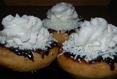 Sladké hlavní jídlo pro mlsouny. Domácí vdolečky. Donut Bun, Czech Recipes, Easy Homemade Recipes, Churros, Rum, Cheesecake, Rolls, Food And Drink, Pudding