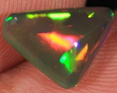 1.82CT~VERY BRILLIANT 5/5 WELO OPAL CAB~PATCHWORK PATTERN