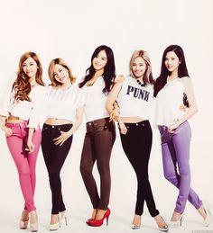 Jessica, Sunny, Yuri, Hyoyeon and Seohyun - Snsd Seohyun, Snsd, South Korean Girls, Korean Girl Groups, Jessica Jung, Rhythm And Blues, Music People, Girl Bands, Popular Music
