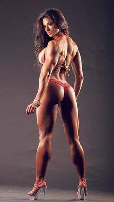 Female Form #StrongIsBeautiful  #Motivation  #WomenLift2 #WorkYourBackSide   Bettina Nagy