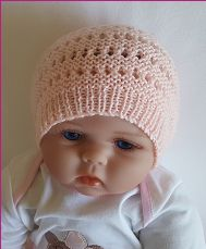 Baby beanie knitting pattern for 4ply yarn.