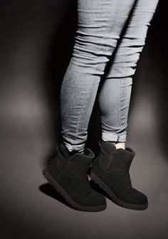 Tiptoein' in our UGG boots. Black Uggs, Black Boots, Ugg Boots, Ankle Boots, Shoe Shop, Kid Shoes, Ugg Australia, Trainers, Dance Shoes