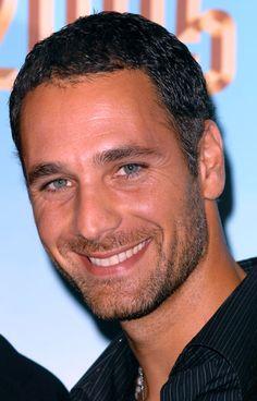 Raul Bova. that smile...