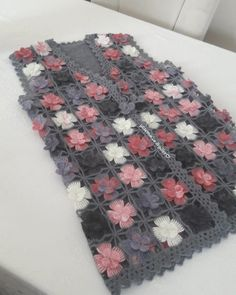 Very popular spring flower motif 50 Beautiful crochet lace model Crochet Bolero Pattern, Crochet Doily Rug, Crochet Jacket, Crochet Stitches Patterns, Crochet Flowers, Knit Crochet, Cotton Crochet, Crochet Unique, Beautiful Crochet