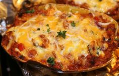 This Low Carb Lasagna has a delcious secret. Shhhhh. (It's spaghetti squash.)  ~Dix  http://jojo.ws/l?l=K8zA