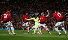 football news Manchester united vs Barcelona UEFA champion league. Manchester United next match is not going to be easy cause of Lionel Messi . Barcelona Team, Lionel Messi Barcelona, Champions League Semi Finals, Uefa Champions League, Coutinho Fc Barcelona, Villarreal Cf, International Champions Cup, Latest Football News, Athletic Clubs