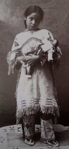 Native American Historic Photographs: Blackfoot/Blackfeet Children's Historic Photographic Gallery