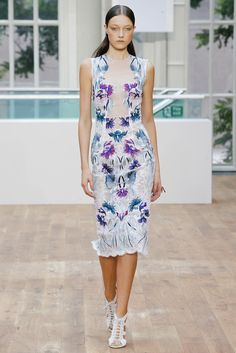 Julien Macdonald | Spring 2015 Ready-to-Wear | 02 White/blue embroidered sleeveless midi dress