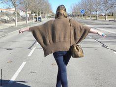 Casual Look. Look con jersey marron oxygene jeans skinny bombonera python. LOS LOOKS DE MI ARMARIO. Los looks de mi armario: Brown Oxigene · Look Curvy. #jerseyponcho #loslooksdemiarmario #winter #outfitcurvy #invierno #look #lookcasual #lookschic #tallagrande #curvy #plussize #curve #fashion #blogger #madrid #bloggercurvy #personalshopper #curvygirl #primark #lookinvierno #jeans #violetabymango #oxygene #lady #chic #bucket #bag #python #camel #poncho