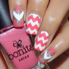 a cute chevron pattern:)))would look great with any color and make sure to use the glitter:))