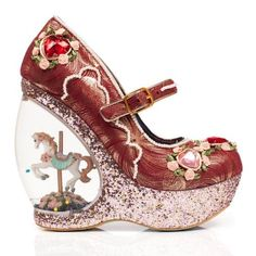 Romance your feet in these outstanding snow globe carousel horse wedges and come out smelling of roses. A beautiful embellished upper comes adorned with hand sewn roses, pearl details and cut gemstone love hearts, a buckle fastening is also strung with Chaussures Irregular Choice, Irregular Choice Shoes, Funny Shoes, Cute Shoes, Me Too Shoes, Iphone 5c, Oxford Shoes Outfit, Dress Shoes, Girly