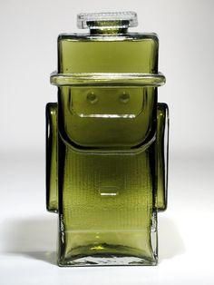 Isoisä (Grandfather)1763 Tynell, Helena, Riihimäen Lasi | Designlasi.com Glass Design, Design Art, Glass Bottles, Perfume Bottles, Lassi, Colored Glass, Household Items, Scandinavian Design, Retro