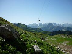 Die Nebelhorn bringt Besucher bis auf 2.224 Meter hoch über Oberstdorf. Hier erlebt man dann den berühmten 400-Gipfel-Blick über die Alpen.