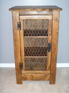 Pallet Projects Handmade cabinet made from reclaimed pallet wood and chicken wire. Cabinet measures 32 tall x 18 wide x 14 deep. I can custom build to - Pallet Crafts, Diy Pallet Projects, Woodworking Projects, Pallet Ideas, Pallet Furniture, Furniture Projects, Rustic Furniture, Furniture Design, House Furniture