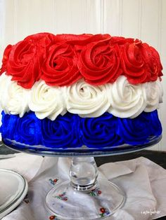 Red, White and Blue Patriotic Rose Cake for of July, Labor Day and Memorial Day. Fourth Of July Cakes, 4th Of July Desserts, 4th Of July Party, July 4th Wedding, Patriotic Desserts, Blue Desserts, Patriotic Party, 4th July Cupcakes, Patriotic Table Decorations