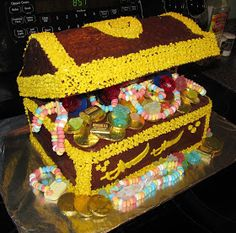 Shawn Ann's Home and Garden: Treasure Chest Birthday Cake