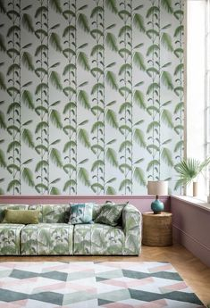 Palm Leaves by Cole & Son - Green / Off White - Wallpaper : Wallpaper Direct Palm Leaf Wallpaper, Tropical Wallpaper, White Wallpaper, Wallpaper Ideas, Cole And Son Wallpaper, Tropical Bedrooms, Contemporary Wallpaper, Contemporary Design, Inspiration Wall