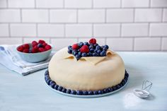 Marsipankake Norwegian Food, European Cuisine, Cheesecake, Baking, Desserts, Deserts, Cheese Cakes, Bakken, Dessert