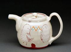 Ayumi-Horie-bird-teapot Pottery Making, Ceramic Vase, Earthenware, Tea Set, Inventions, Weaving, Jar, Ceramics, Teapots