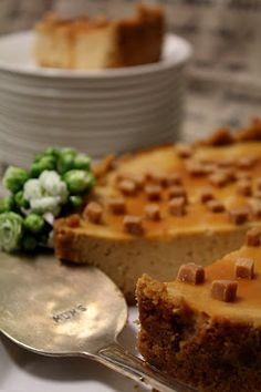 Kakkuviikarin vispailuja!: Paistettu kinuskijuustokakku