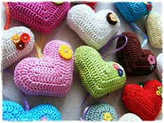 CROCHETED HEARTS - English version! Free pattern, picture tutorial!  :)