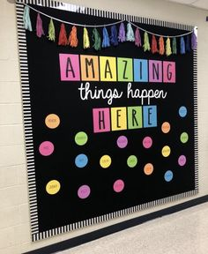 Excellent DIY Classroom Decoration Ideas & Themes to Inspire You 35 Beautiful & Inspiring Classroom Decoration Ideas // Classroom Decor Preschool // Classroom Decorations // Decorate Classroom Classroom Wall Decor, Diy Classroom Decorations, Classroom Walls, Classroom Bulletin Boards, New Classroom, Classroom Design, Classroom Organization, Bulletin Board Ideas For Teachers, Preschool Classroom Decor