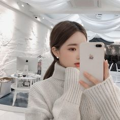 Pinterest☆*:.。.@Seoullum#NYC.。.:*☆ INS@seoullum.nyc__1112 Followme⭐️ Ulzzang Girl Fashion Cute Korean Girl, South Korean Girls, Asian Girl, Ulzzang Girl Fashion, Pretty Asian, Kpop Aesthetic, Pretty People, Asian Beauty, Cute Girls
