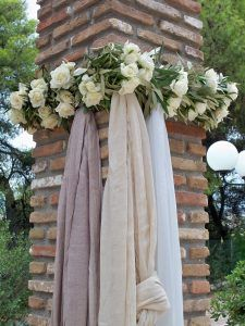 SB77 Bridal Decorations, Wedding Ceremony Decorations, Wedding Themes, Flower Decorations, Wedding Styles, Olive Wedding, Greek Wedding, Home Wedding, Diy Wedding