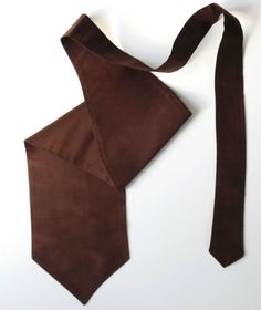 A formal cravat or stock Single wing Chocolate brown This is a self-tie style as shown Size approx The cravat measures 5 inches 12 5 cm across at its