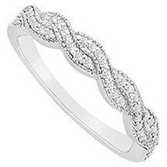 would love this twisted diamond band for a simple engagement ring!